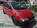 Красный карбоновый Renault Megane Scenic